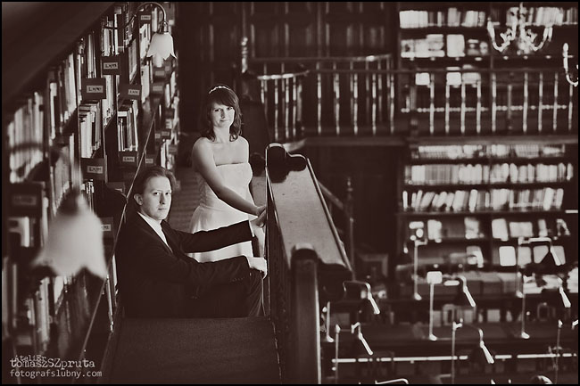 IMG 00601 - Zapowiedź, Ślub, sesja w bibliotece, Fotografia ślubna, Fotograf ślubny Poznań, Fotograf ślubny, fotograf Poznań, biblioteka